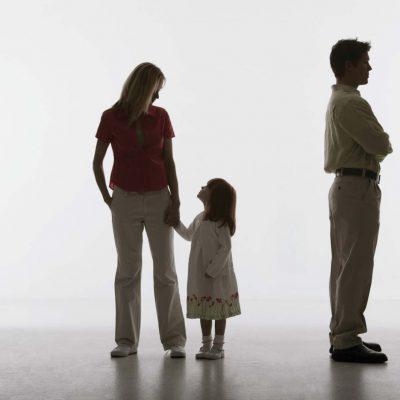 CURA DE UM SISTEMA FAMILIAR POR MEIO DAS CONSTELAÇÕES SISTÊMICAS